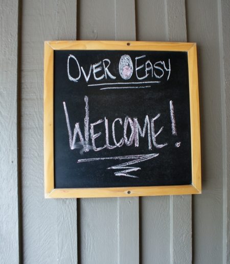 Over Easy Cafe, Ravenswood, My Heart Behaves, Chicago