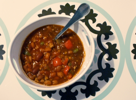Slow Cooker Three Bean Turkey Chili, turkey chili, dwell studio placemats, dwell studio for target placemats