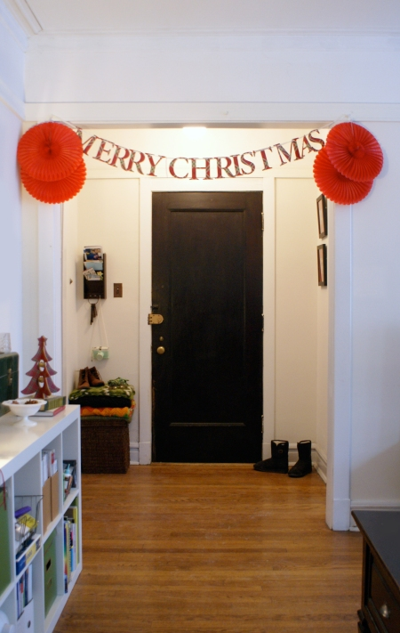 vintage Chicago apartment, Christmas bunting